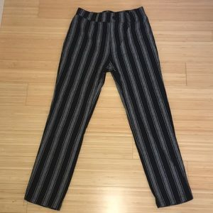 Tillys Girls black and gray pants